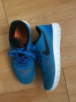 Nike Sneaker Gr:38,5 / passt auch einer 38