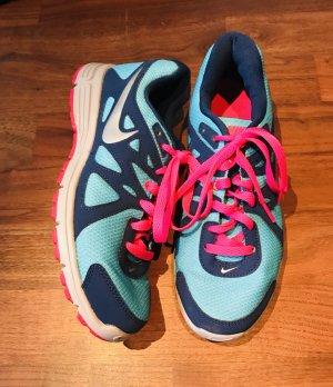 NIKE Sneaker Gr. 40 (US 8,5/ UK6/ 25,5cm) Neu!