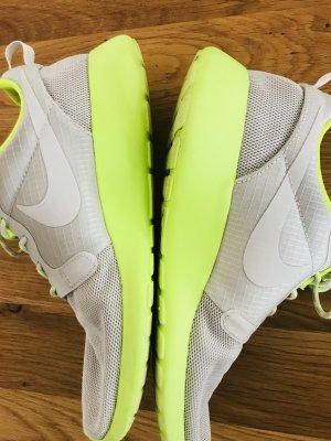 Nike Sneaker grey/neongelb 38,5
