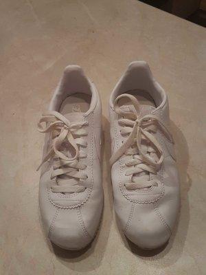 Nike Sneaker größe 39