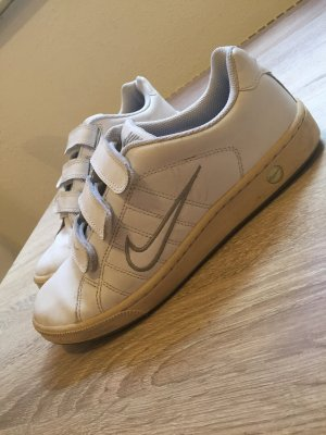 Nike Basket velcro blanc