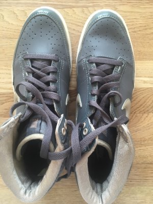 Nike Sneaker high grau Gr 38