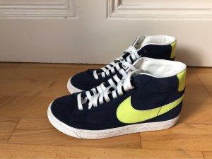 Nike Basket à lacet bleu foncé-jaune fluo