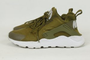 Nike Lace-Up Sneaker olive green synthetic material