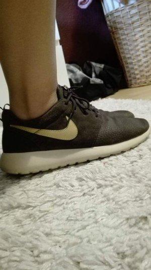 Nike Sneaker ideal für den Herbst