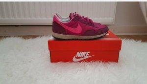 Nike  Sneaker in Pink