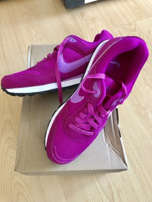 Nike Sneaker in Purpur Gr. 40,5
