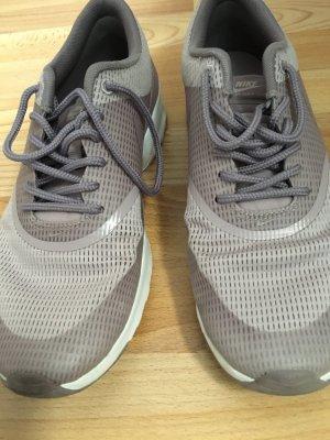 Nike Sneaker in Rosa/Flieder