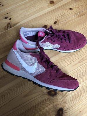 Nike Sneaker in Rose/Pink