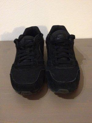 Nike Sneaker in sehr gutem Zustand, schwarz