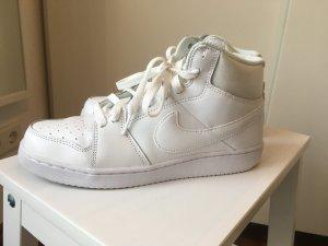 Nike Sneaker in weiß