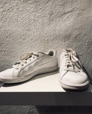 Nike Sneaker kaum getragen