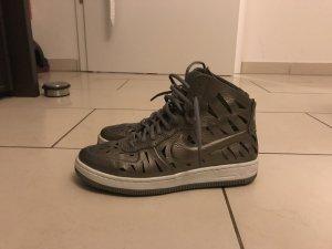 Nike Sneaker metallic
