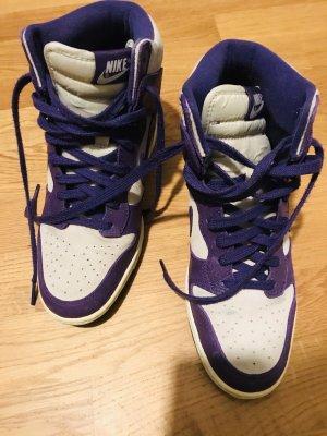 Nike Sneaker mit Keilabsatz Gr. 39