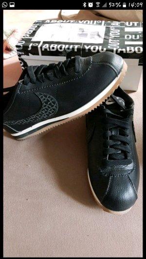 nike Sneaker neu Gr.38