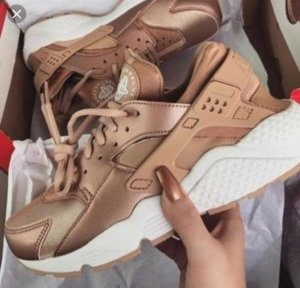Nike Sneaker neu rosegold