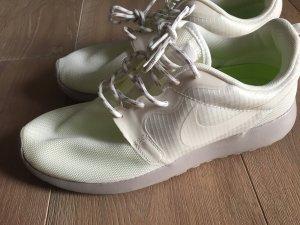 Nike Sneaker Neuwertig!