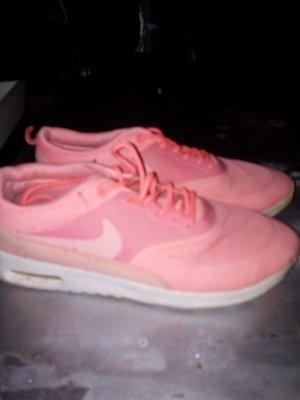 Nike Sneaker oder Sportschuh