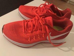 Nike sneaker...perfekt für Sport!
