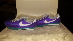 Nike Sneaker Purple VNM/White/CRT Purple/TRB Green Größe 36.5
