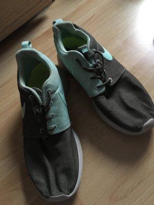Nike Sneaker Roshe Run