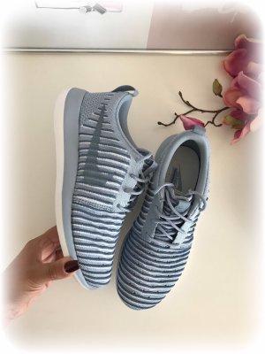 Nike Sneaker, Roshe two flyknit, blue-grey, grau-hellblau, 36.5.