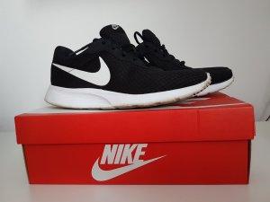Nike sneaker Schuhe .