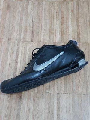 Nike Sneaker schwarz lack