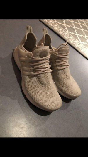 Nike Sneaker / Sportschuh beige Gr. 39