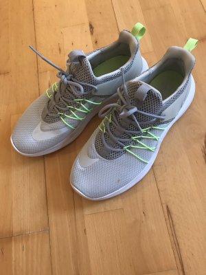 Nike Sneaker Sportschuhe Turnschuhe 39