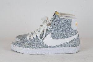 Nike Sneaker Turnschuh Gr. 39 hellblau gemustert Mod. Blazer