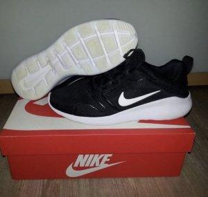 NIKE Sneaker Turnschuhe Gr.40 Trend schwarz weiß Damen Top