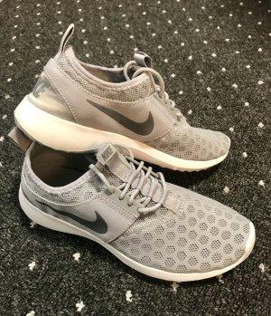 Nike Sneaker / Turnschuhe grau