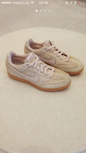 Nike sneaker Turnschuhe Sport gym Rose rosa 40 40,5