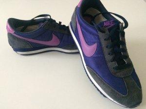 Nike Sneaker zum Schnüren Gr. 41