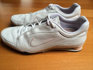 Nike Chaussures blanc cuir