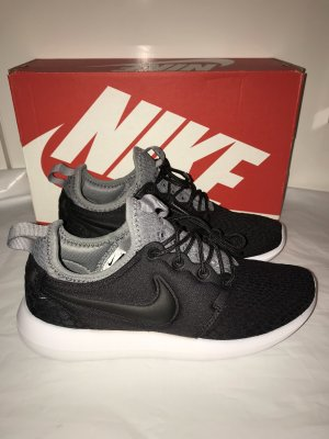 NIKE Sneakers Roshe Two SE Gr.36 NEU schwarz Schuhe