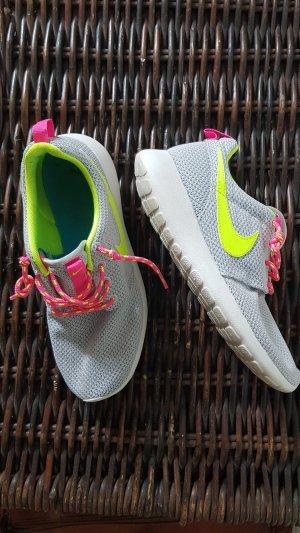 NIKE Sneakers Sportschuhe Gr. 38,5