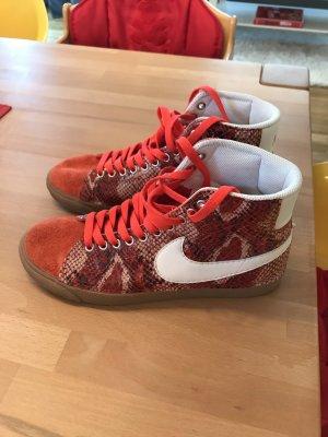 Nike Sneakers von Maltese