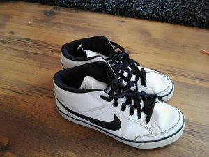 Nike Sneakers weiß schwarz 38