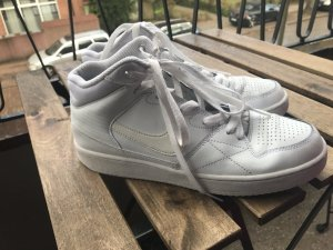 Nike sneakers, wie air Force one Modell ! Weiß