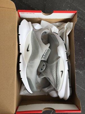 Nike Sock Dart NEU Gr. 39 hellgrau Sneaker Schuhe UVP 125 €