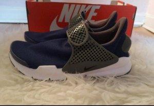 Nike Sock Dart Sneaker in 37.5