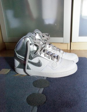 Nike Son of Force Silber