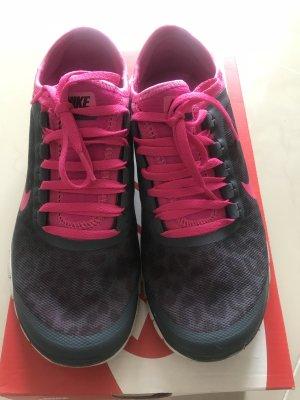 Nike Sneaker stringata rosa