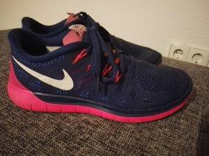 Nike Sport Schuhe zu verkaufen