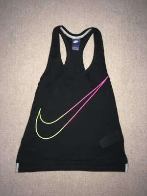 Nike Sport // Schulterfreies Top