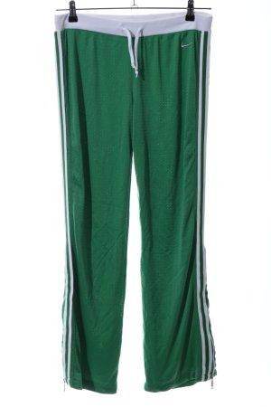 Nike Sporthose grün-weiß Casual-Look