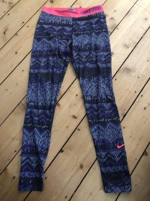 Nike Sporthose in lila, schwarz