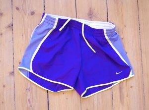 Nike Sporthose kurz Lifestyle gemütlich sexy schick